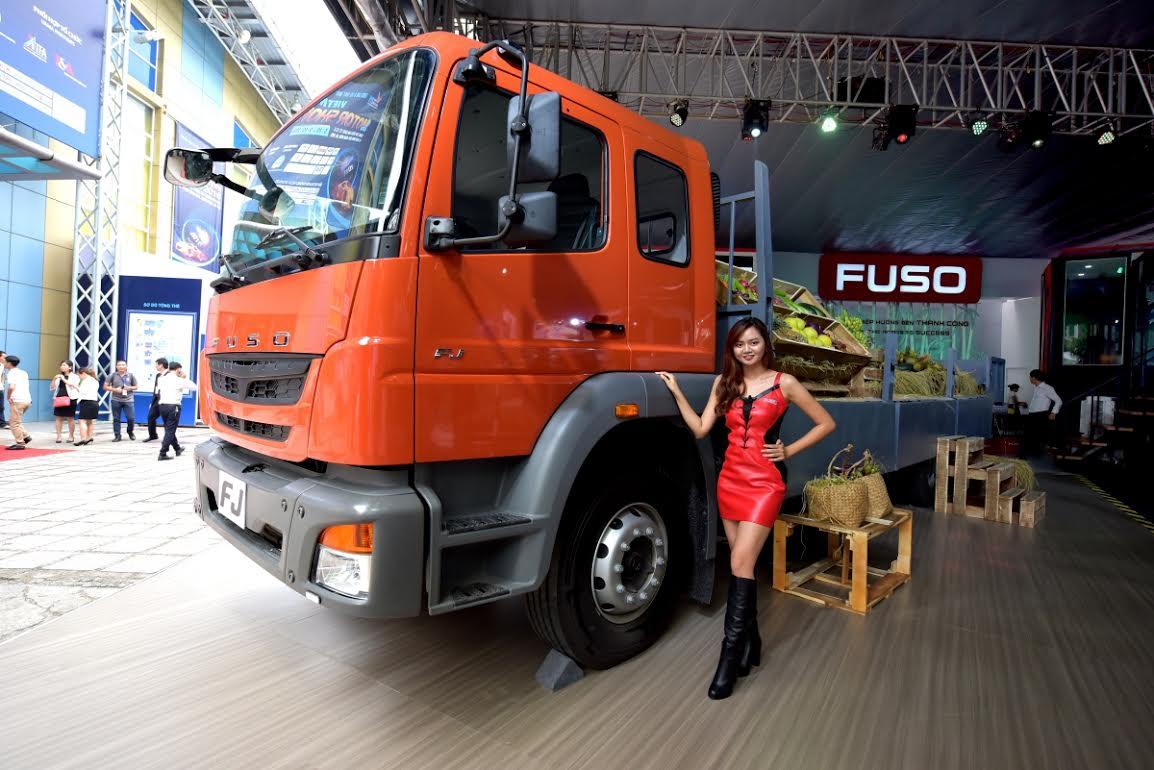Gian hang FUSO tai Vietnam Motor Show 2016